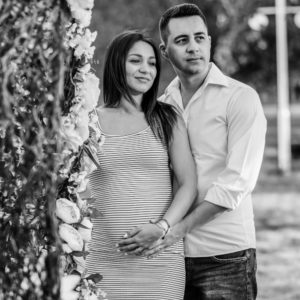 Fotografie de maternitate, fotografii maternitate, Fotograf profesionist Timisaora, Sedinta Foto bebelusi, sedinta foto gravide, servicii foto-video botez, fotografii nou nascuti